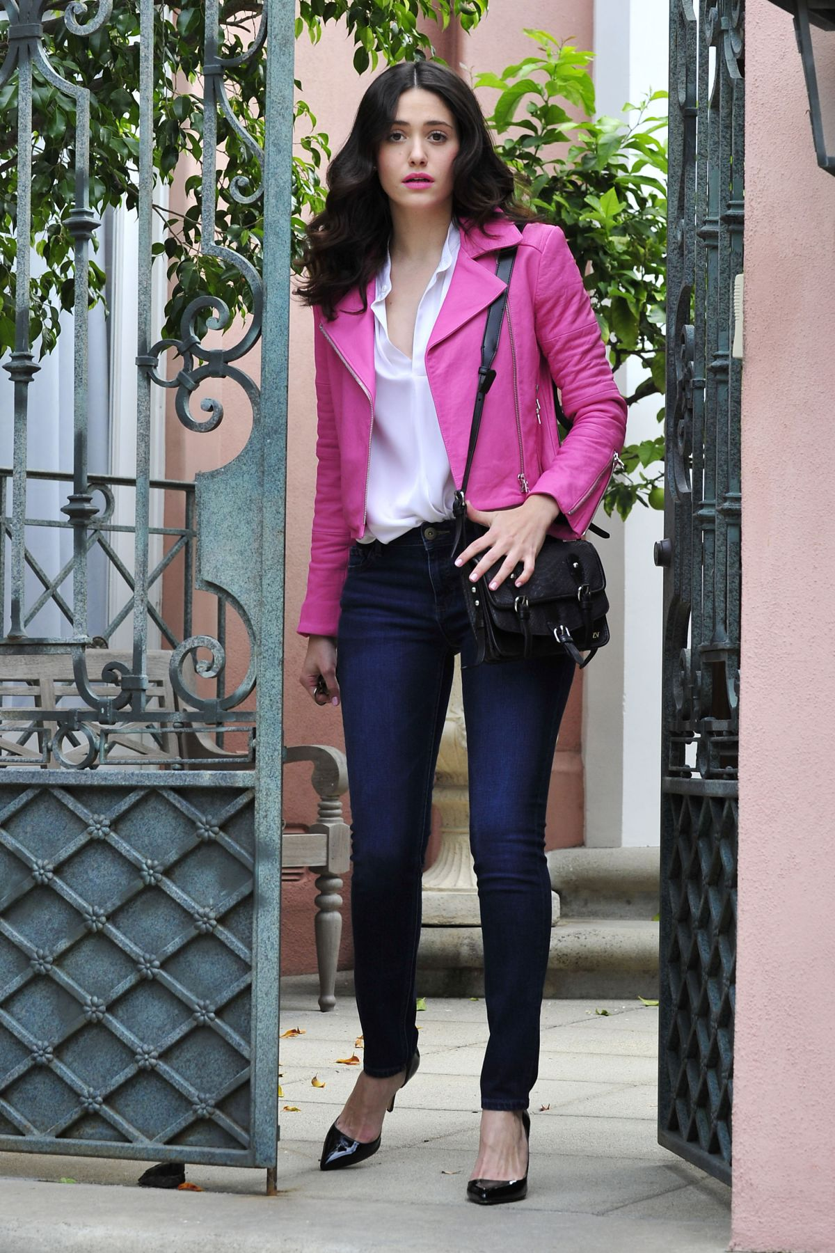 How To Wear A Leather Jacket The Femininity Mystique