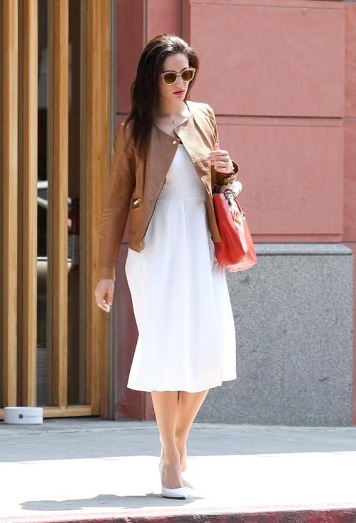 Emmy+Rossum+in+Beverly+Hills+c5TLeNeNiXdx