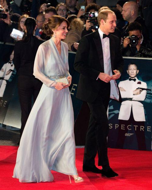 http-starity.hu-forum-topik-498890-kate-middleton-spectre-premiere-at-royal-albert-hall-in-london-october-26-2015-_4