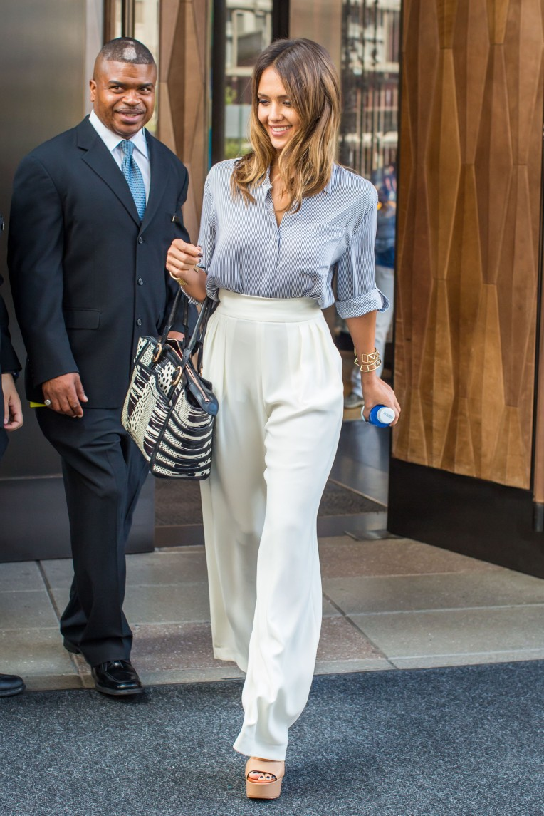 e9a0b517a1 She wore an ivory Maxmara wide-leg pants