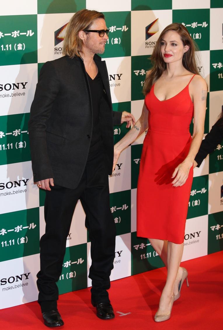 Brad Pitt Promotes ''Moneyball'' in Tokyo