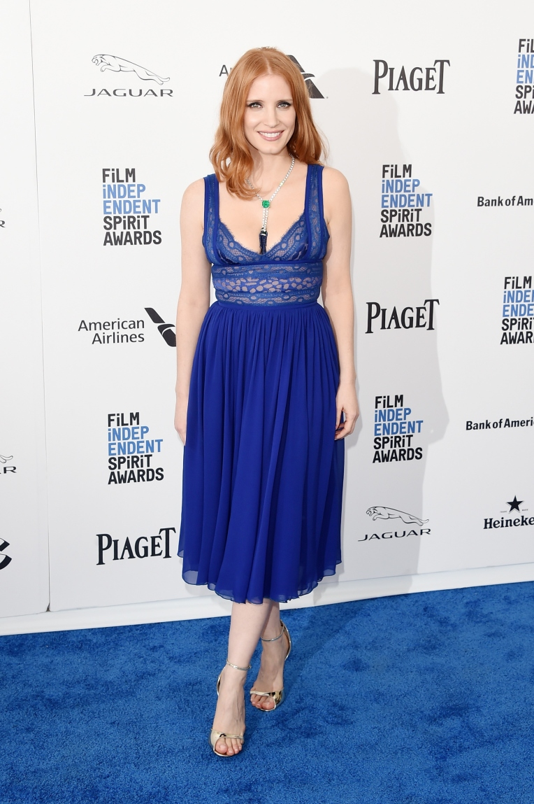 jessica-chastain-in-elie-saab-at-2016-film-independent-spirit-awards-3