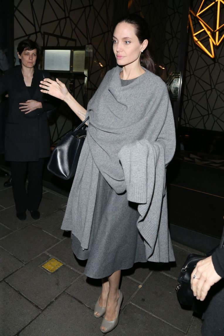 angelina-jolie-night-out-style-leaving-quaglino-s-restaurant-in-mayfair-in-london-4-26-2016-3