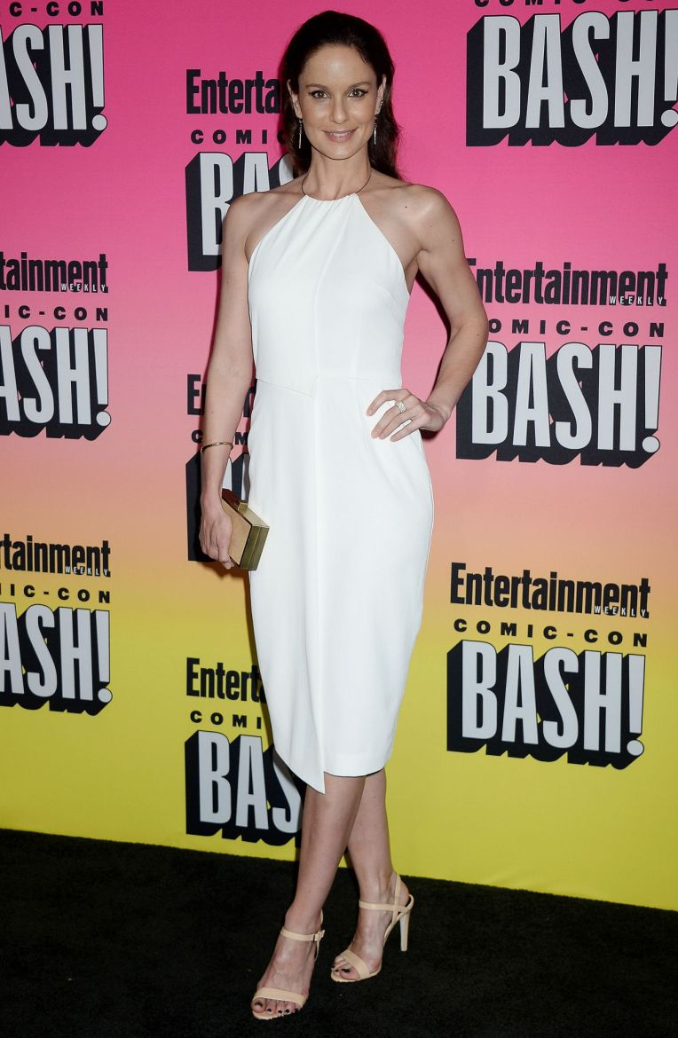 sarah-wayne-callies-entertainment-weekly-s-comic-con-bash-in-san-diego-7-23-2016-2